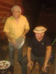 Meu vô e meu pai no pandeiro